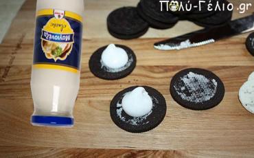 ΠΡΩΤΑΠΡΙΛΙΑ: Ιδέα για Φάρσα [Μπισκότα με μαγιονέζα]