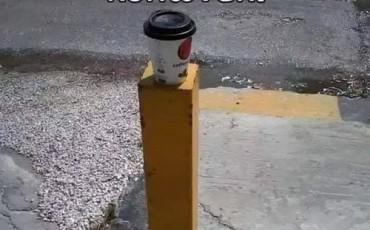 Αστεία εικόνα: Πάμε για καφέ στο Κολονάκι;