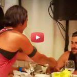 Survivor: Το Φλερτ Κωνσταντίνου με Τουρκάλα στο γεύμα και το Χαστούκι που έφαγε