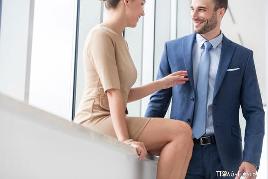 Ανέκδοτο: Βλέπει η γραμματέας το πρωί τον προϊστάμενοι να μπαίνει με το φερμουάρ ανοιχτό....